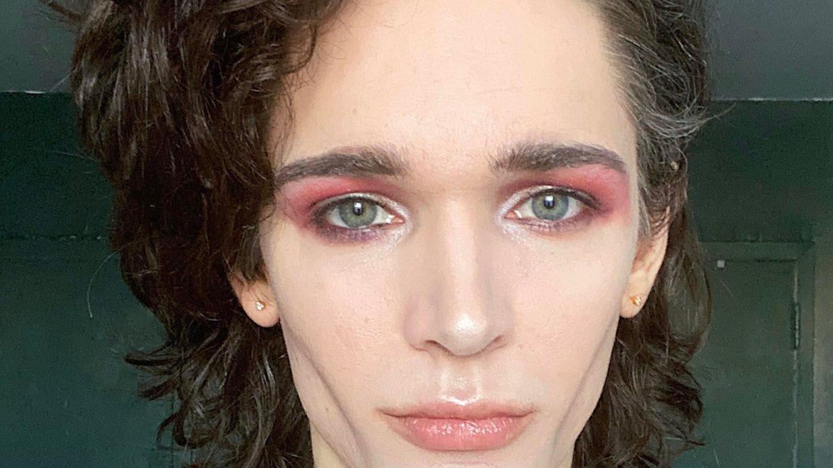Androgynous makeup