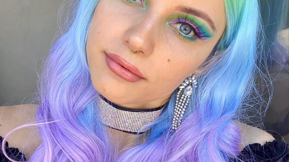 I've been obsessed with pastels lately.  Pink, purple and turquoise cut fold + colored pastel hair.