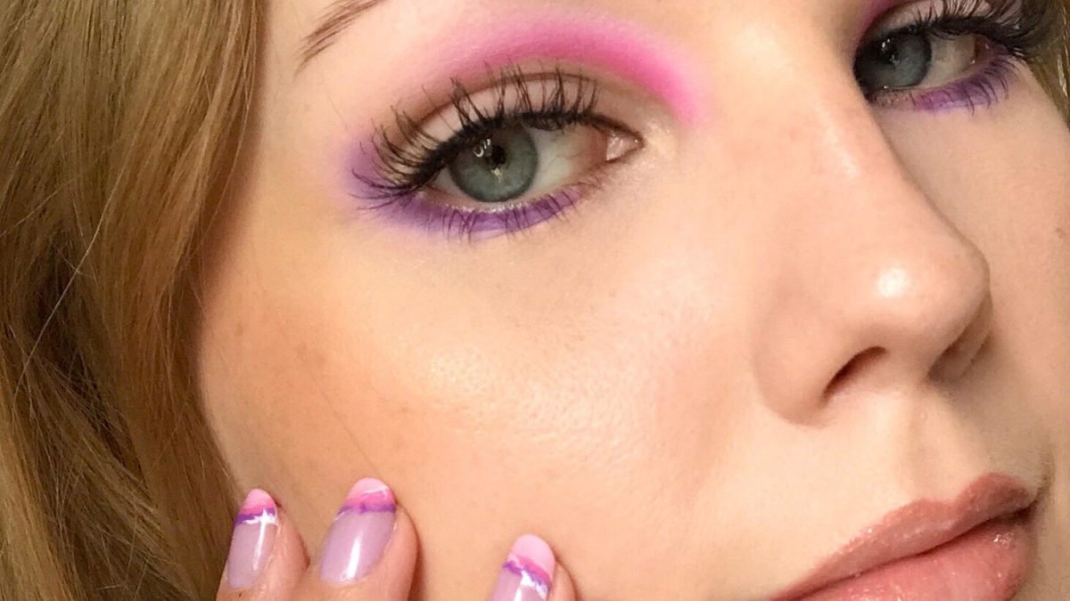 Match my makeup to my nails💜💗