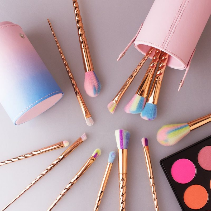 cool ideas for makeup brushes