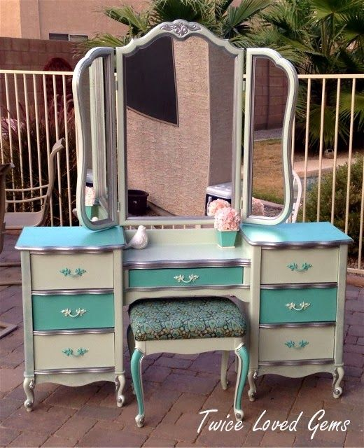 Collection : 22 Best paint ideas for makeup vanity