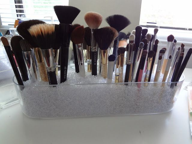 storage ideas for makeup brushes