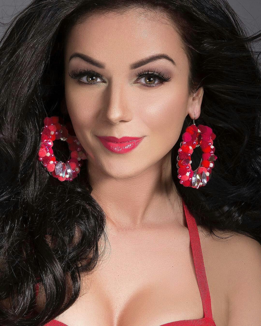 eye makeup ideas for red dress