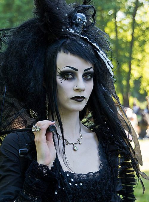 Makeup inspiration : Top gothic bride makeup ideas