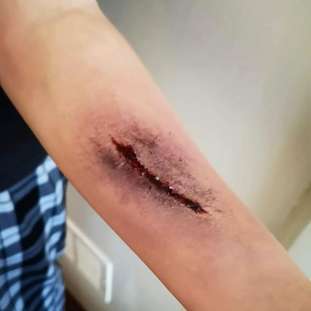 Collection : Best sfx arm makeup ideas