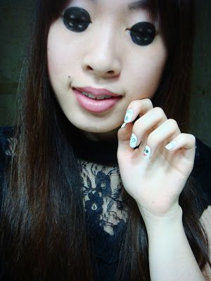 Trends : Best scary makeup ideas with button eyes