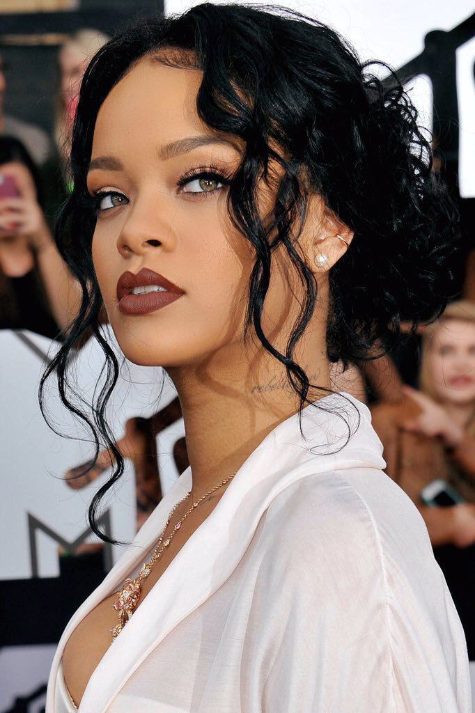 sexy rihanna hairstyles and makeup ideas