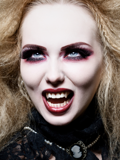 makeup ideas for vampire woman