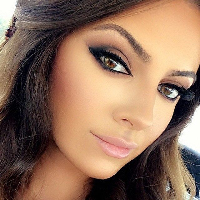 Trends : Best bridal makeup ideas for brown eyes