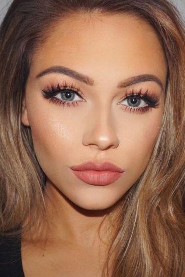 Makeup trends : Best simple makeup ideas for graduation