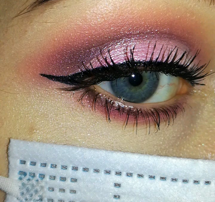 Pink smoky eyes.