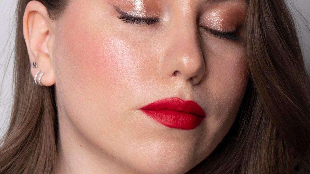 Simple lipstick look